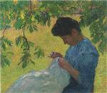 Bild:Young woman sewing in garden
